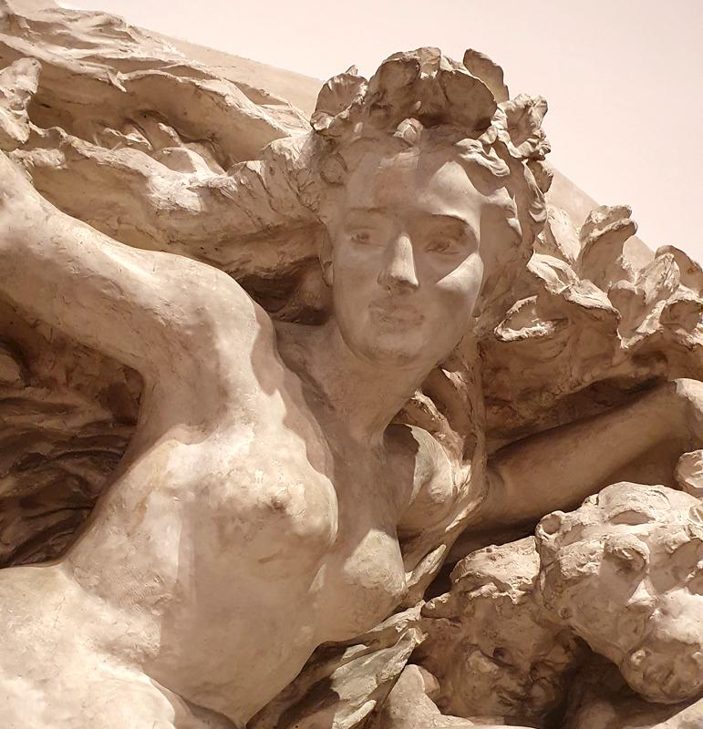"Relief ""Triumph der Flora"" von Jean-Baptiste Carpeaux"